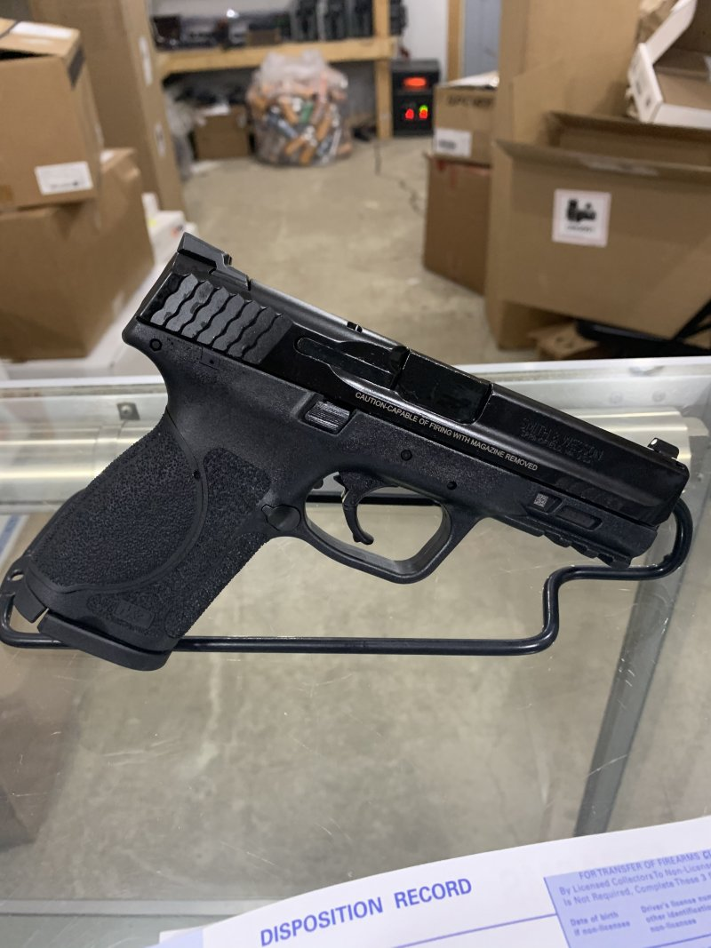 Smith & Wesson m&p 2.0 9mm compact Picture